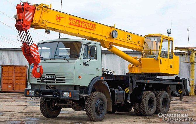 25-тонный кран на полноприводном шасси КамАЗ-53228