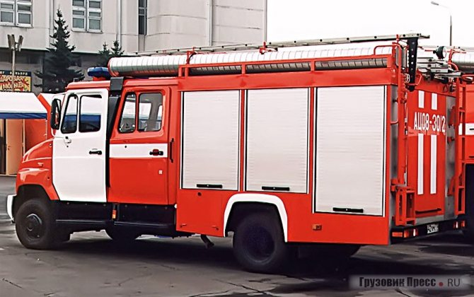 АЦ-0,8-30/2(530104) мод. 001-ММ с комбинированным насосом «Магирус», после модернизации новый 136-сильный двигатель стал уверенно раскручивать насос до подачи 40 л.с.