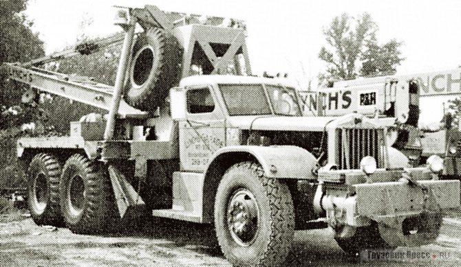 Аэродромный эвакуатор для морской авиации на шасси Sterling HCS330, сохранившийся до 1980-х гг.
