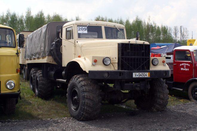 Автомобиль КрАЗ-255