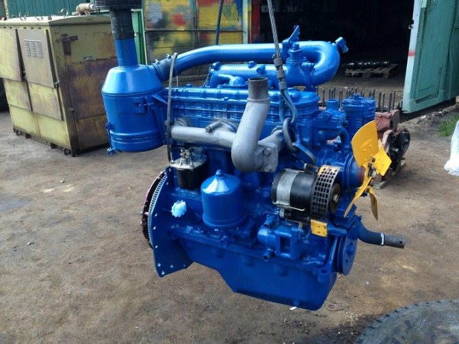 Двигатель Д242