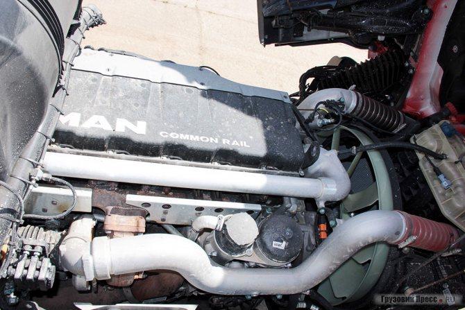 Двигатель D2676LF07 (под кабиной)