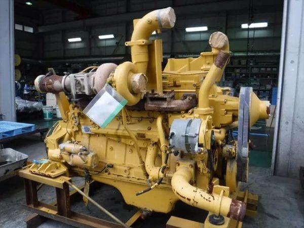 Двигатель и гидротрансформатор бульдозера Комацу D155A-5