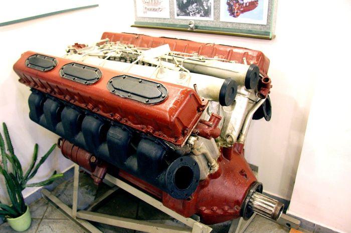 Двигатель и трансмиссия МАЗ-543
