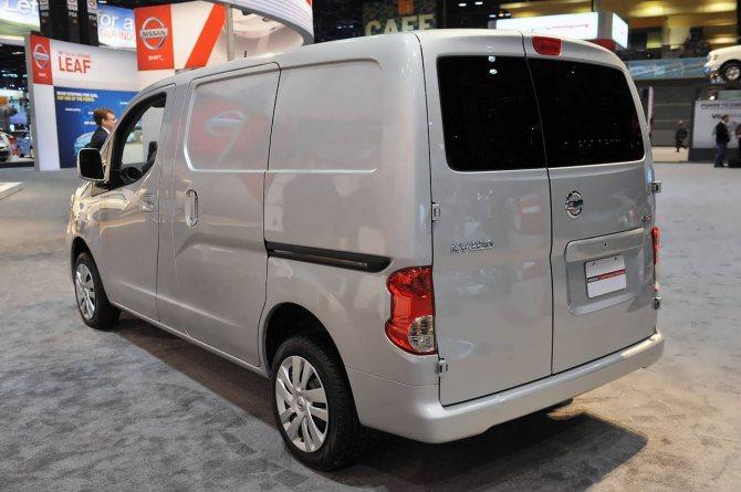 Грузопассажирский Nissan NV200
