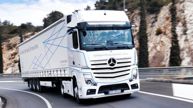 Грузовик Mercedes-Benz