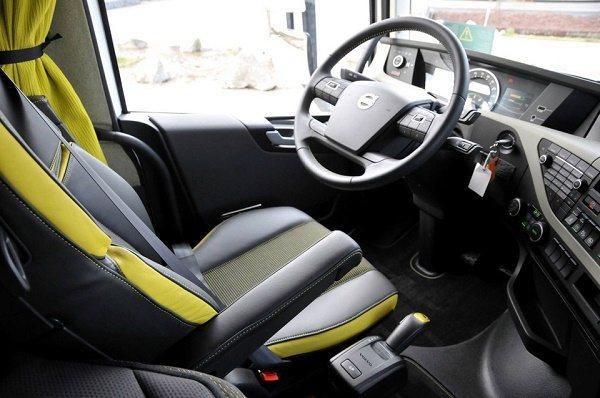 Кабина «Volvo FH16»-02