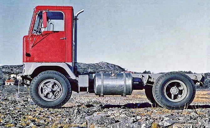 Кабина X1 опытного грузовика «Проект 2859», послужившего прототипом для Volvo L495 Titan Tiptop