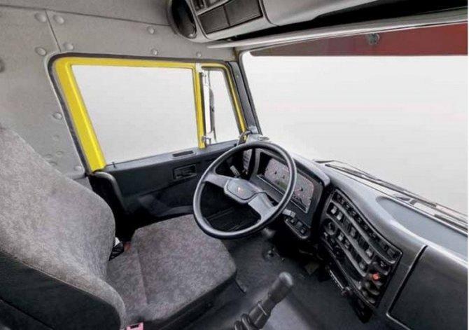 КамАЗ-65115 кабина