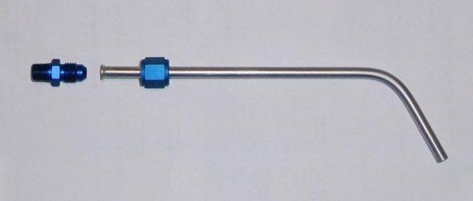 Клапан топливной системы и трубка