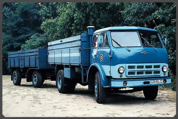 Коротко об истории создания модели и преемниках «МАЗ-500»01