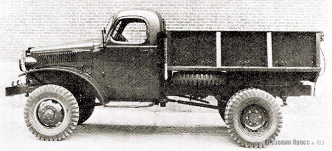 Короткобазный International M-3L-4 с металлическим самосвальным кузовом. 1941 г.