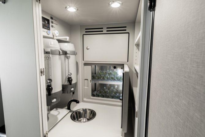 Кухня в автобусе Setra.jpg