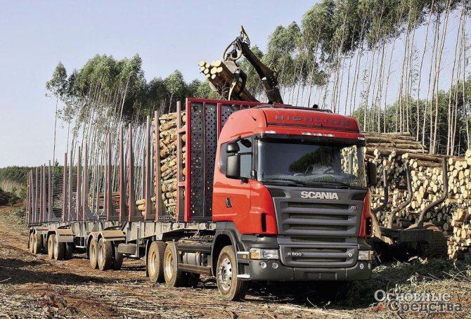 Многозвенный лесовозный автопоезд на шасси Scania