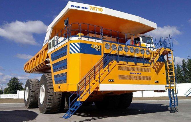 Наибольший грузовик БелАЗ 75710