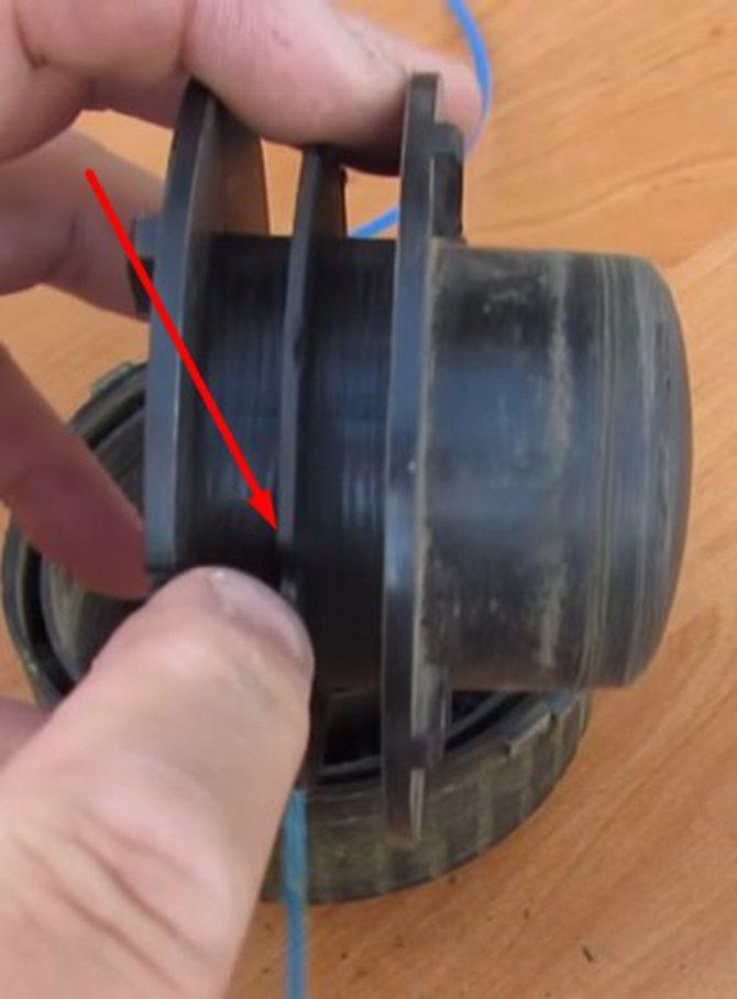 Намотать леску на катушку электрокосы. Инструкция