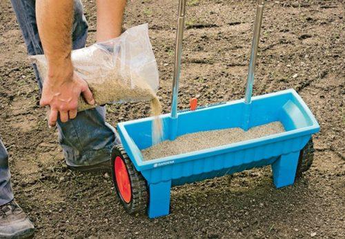 Отзывы владельцев сеялок для газонной травы