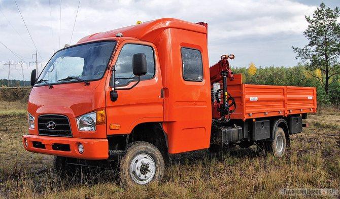 Перед вами не заводской вариант популярного развозного грузовика Hyundai HD78 в полноприводном исполнении. Кстати, заводского варианта HD78 4x4 не существует.