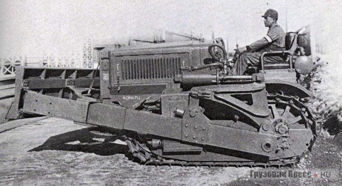Первый бульдозер Model-1 на базе Komatsu G40, 1943 г.