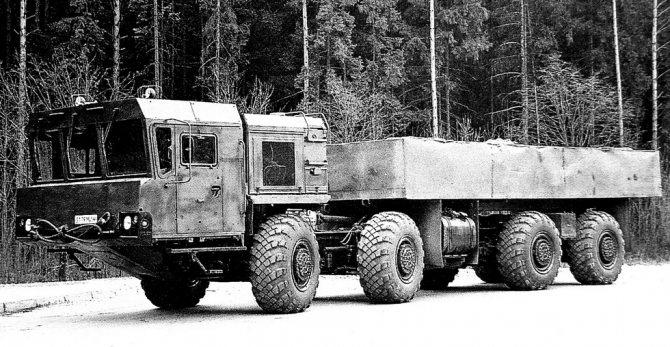 Прототип многоцелевого автомобиля-шасси МАЗ-7930 (из архива НИИЦ АТ)