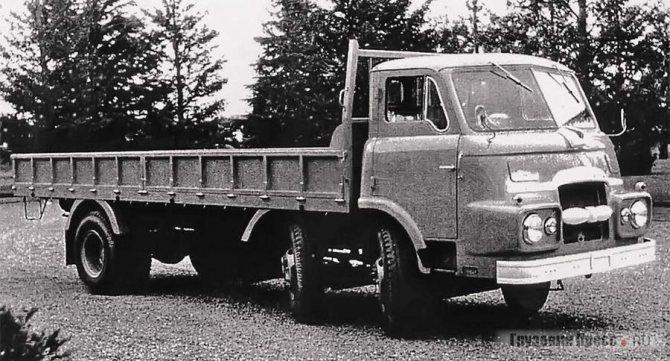 Революционная модель 1958-го – начала 1960-х Hino TC10 грузоподъёмностью 10 т стала основой экспортной программы