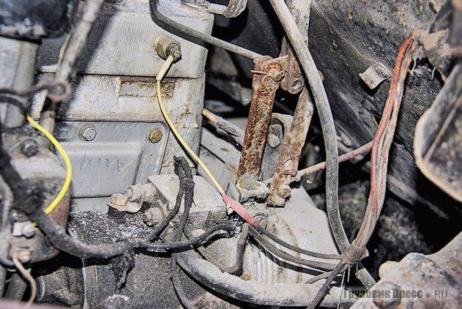 С 1953 г. вместо кнопочного стартёра введён стартёр с механическим включением при помощи педали – просто и абсолютно надёжно!
