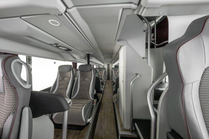 Салон 1 этажа автобуса Setra.jpg