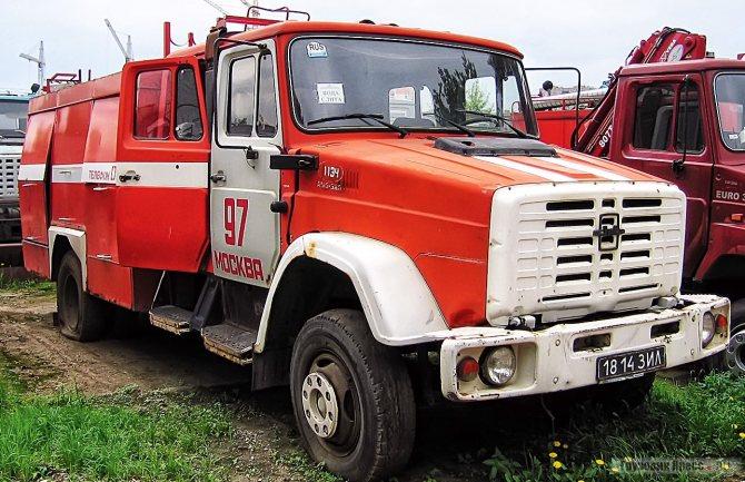 Самый первый опытный образец 1998 г. с двигателем 508.10 после подконтрольной службы в ПЧ 97 Москвы вернулся на ЗИЛ. В процессе эксплуатации облицовку радиатора на машине заменили