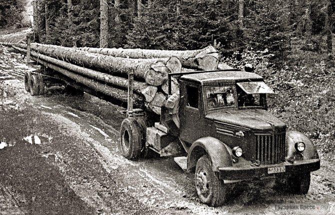 Серийный МАЗ-501 ранних партий с прицепом-роспуском 2-Р-15 Тавдинского механического завода на своей традиционной работе – вывозе древесины. 1956 г.