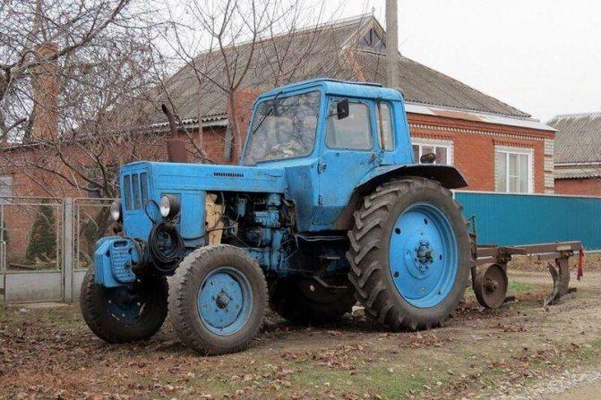 Трактор для вспахивания огорода