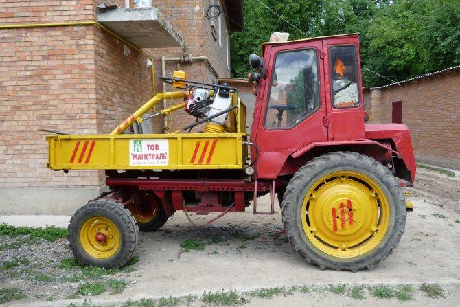 Трактор Т-16M