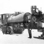 Трактора. История тракторной техники. На фотографии гусеничный трактор - Lombard Steam Log Hauler. 1901.