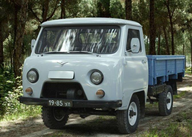 УАЗ-452Д (3303)