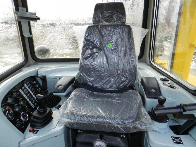 Устройство кабины бульдозера Т35