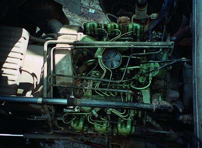 V-образный шесгицилиндровый атмосферный двигатель ОМ 421