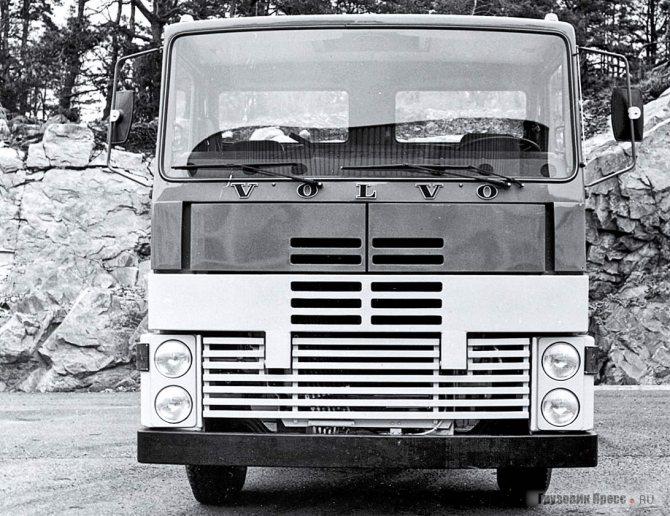 В рамках «Проекта 7000» предлагались довольно необычные решения кабины будущих Volvo F10 и F12, дизайнер Стуре Къеллберг