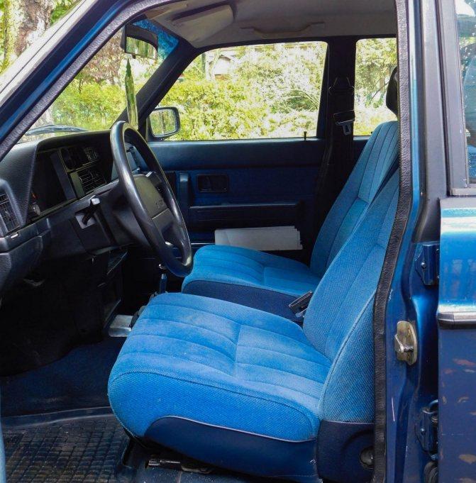 Volvo 240 передние сидения