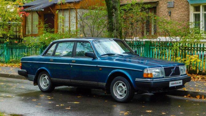 Volvo 240 синяя три четверти (3)