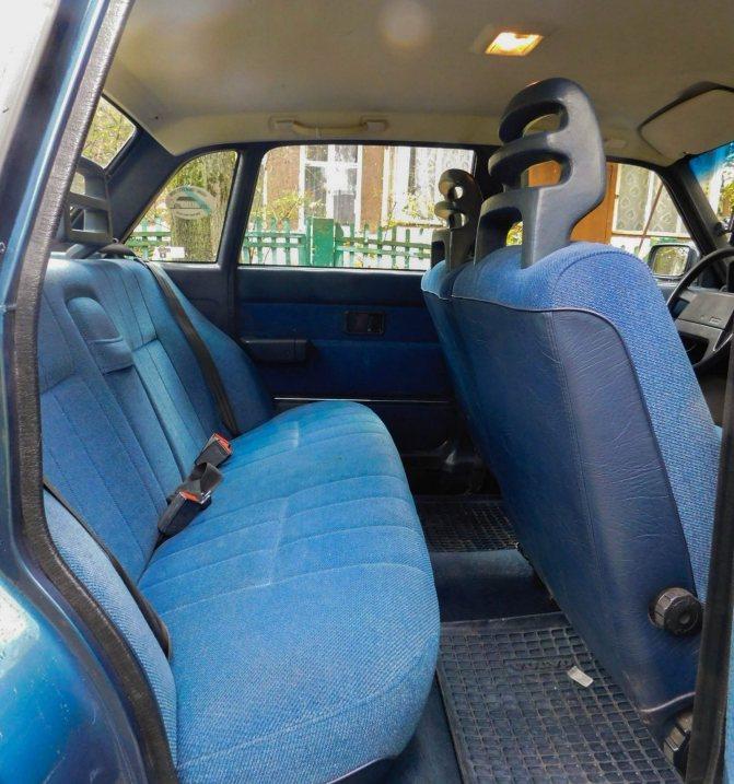 Volvo 240 задние сидения